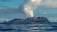 Gunung api meletus di Selandia Baru
