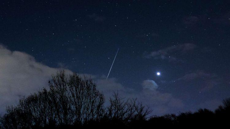 Sebuah meteor raksasa melintas di langit Inggris (NET)