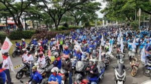 Ribuan Buruh Kepung Kedutaan Besar Amerika Serikat