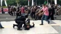 Komnas HAM Soroti Tragedi Mahasiswa Dibanting Polisi Saat Demo di Kantor Bupati Tanggerang