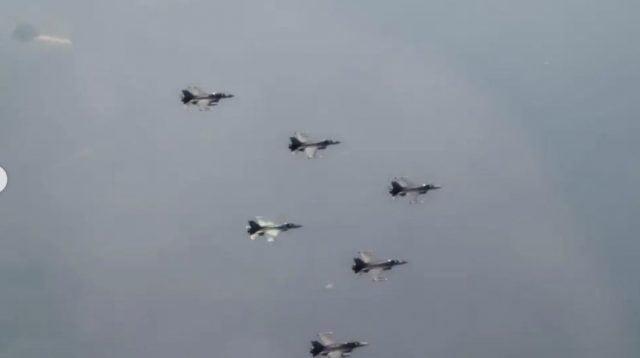 Atraksi udara meriahkan HUT ke-76 TNI di istana merdeka (net)